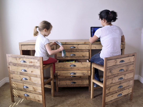 desk-hidden-stools-printmaker06-web